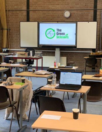 The Green Scissors helpt jonge kappers duurzaam werken